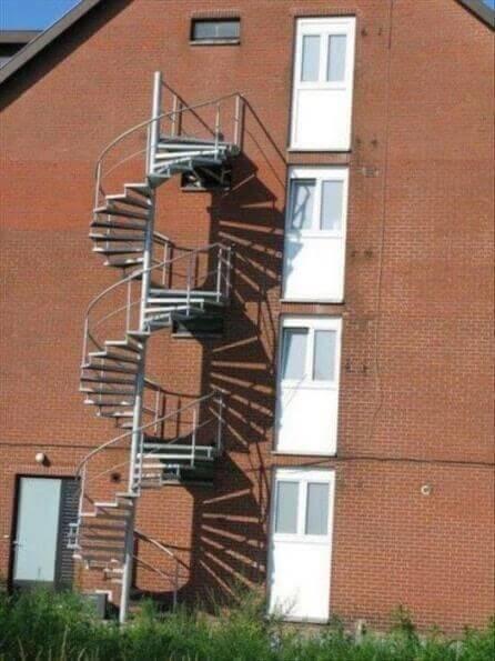 fail-construction-escalier